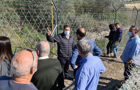 לא יושבים על הגדר: העירייה מגבירה את פעולות הביטחון בסמוך לגדר מכבים