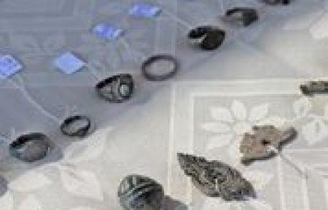 מצבור יוצא דופן של תכשיטי נשים בני כ-900 שנה  התגלה במודיעין