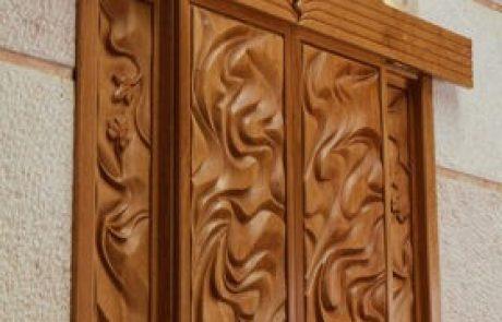 החייאת אמנות בתי הכנסת העתיקים בעיצוב ארון קודש