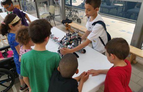 ילדים עם רגשות, לא רובוטים