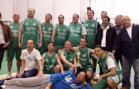 """קבוצת """"צעירי הגבעה"""" העפילה לרבע הגמר בליגת הקהילות הארצית בכדורסל"""