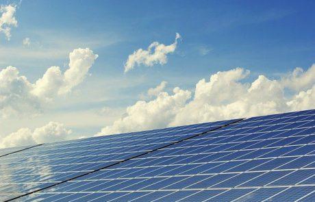 איך מנקים פאנלים סולאריים?